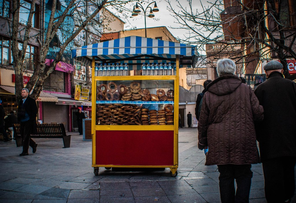 Simit vendor