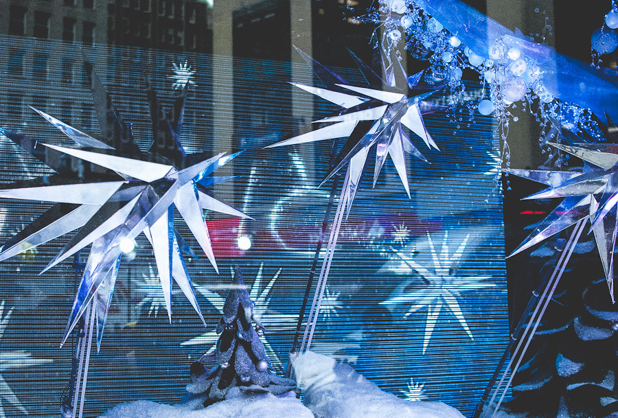 Macy's holiday window